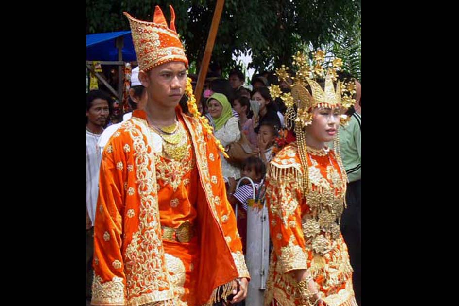 ملابس التقليدي ملايو جامبي
