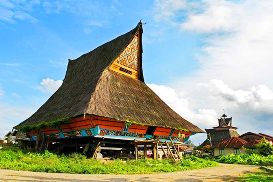 rumah adat karo sumatera utara beautiful indonesia umm
