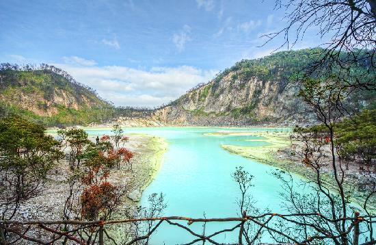 Kawah Putih: Enchanting White Crater Lake, South of Bandung